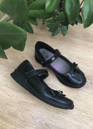 Натуральные туфельки в школу 20.5 см