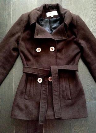 Демисезонное пальто для стройной девушки благородный коричневый цвет приталенные кашемир