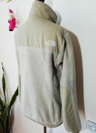 Тепленькая флисовая куртка the north face4