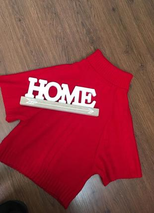 Червоний светр