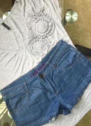 Джинсовые шорты с рюшей от nafnaf