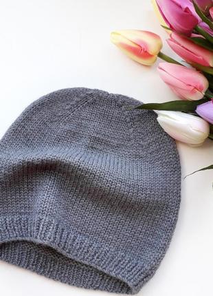 Стильная шапка для модника на весну