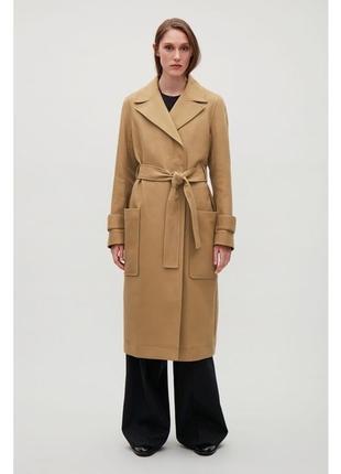 Крутое и стильное хлопковое пальто тренч с большими карманами от премиального бренда cos