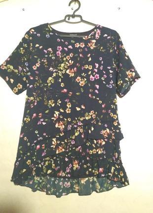 Блуза синяя с цветами и воланами по низу