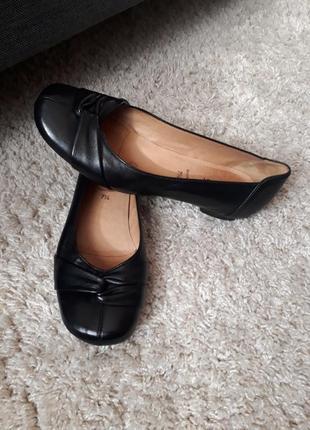 Кожаные удобные туфли балетки gabor