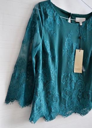 Красивая кружевная блузка coat