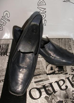 Кожаные демисезонные туфли  van dal england (англия) на низком устойчивом каблуке
