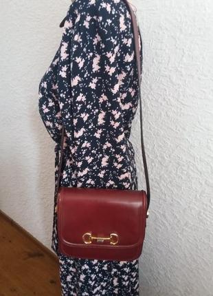 Шикарная кожаная сумка кроссбоди цвета марсала италия
