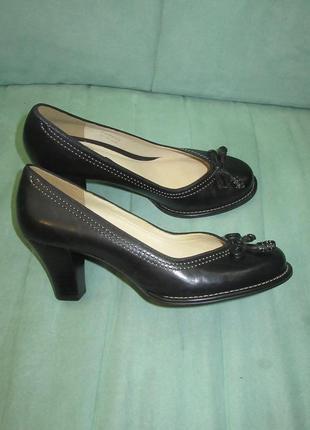 Clarks кожа новые туфли