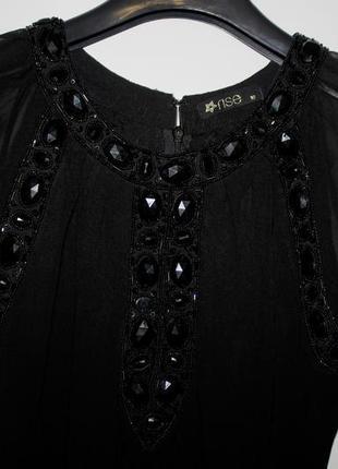 Черное шифоновое платье - камни по груди и спинке3 фото