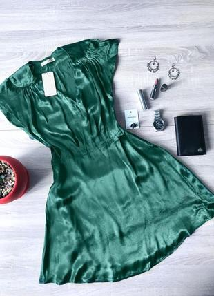 Крутезне атласне плаття mango сукня насиченого зеленого кольору коротке платье