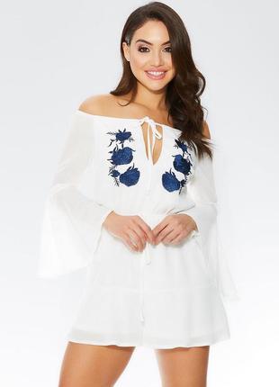 Белый ромпер с цветочной вышивкой