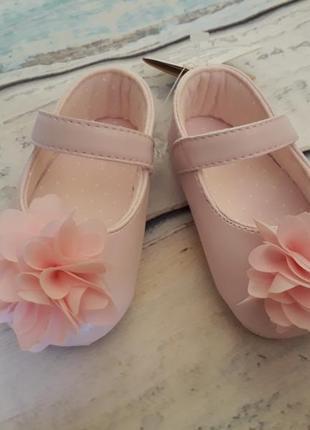 Первые туфельки от chicco 19 размер