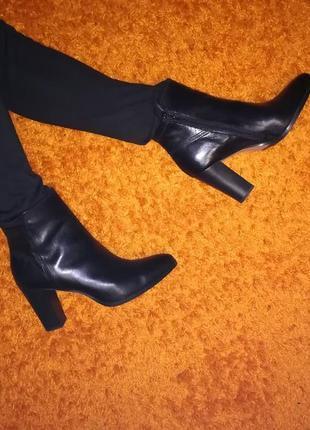 Классические кожаные ботинки 40 р браска очень удобный устойчивый каблук