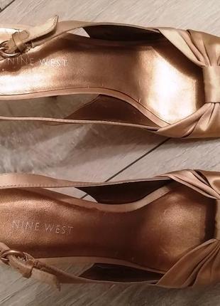 Туфли, босоножки бежевые, золотистые р.37