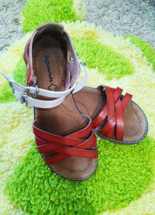 Сандалии apawwa босоножки кожанные на девочку, 31 р. красные