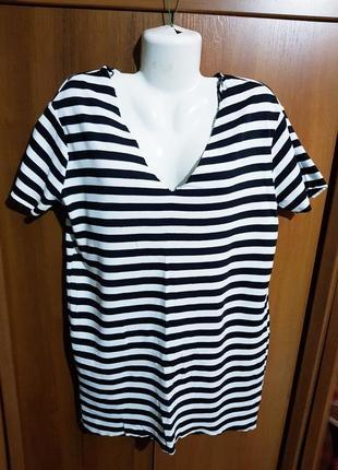 Стильное трикотажное платье размера 44-46