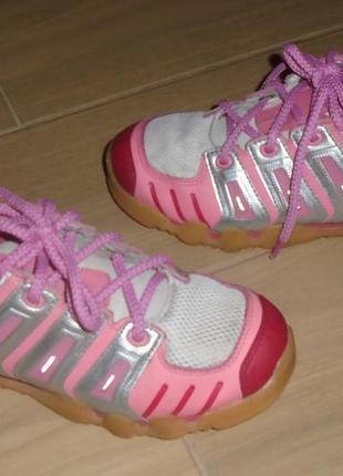 Adidas кроссовки 35 р