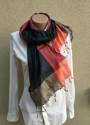 Легкий,тонкий,шелковый шарф с бахромой