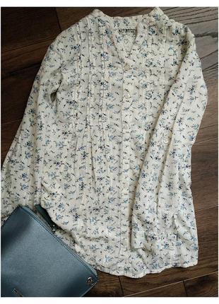 Блузка з квітчастим принтом