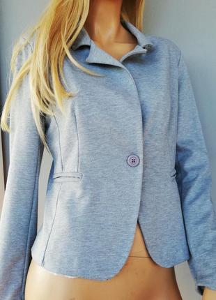 Качественный серый пиджак