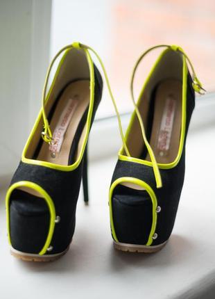 Супер красивые туфли gianmarco lorenzi на высоком каблуке с открытым носком/ 37 р./ новые