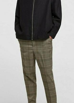 Укороченные брюки zara в клетку с манжетами и боковыми карманами