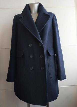 Стильное шерстяное пальто marks&spencer с накладными карманами и двубортной застёжкой