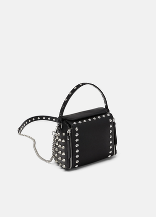 Новая фирменная сумка с заклепками / шипами