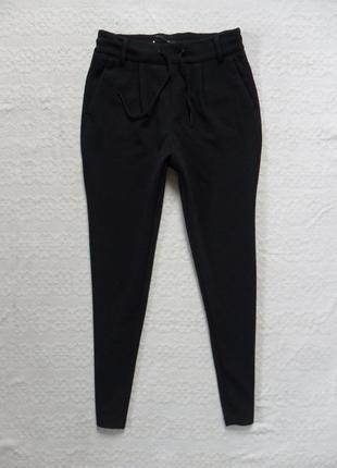 Стильные черные штаны бойфренды only, xs размер.