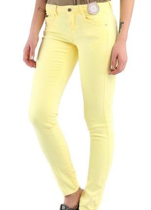 Финальный sale новых вещей! bershka новые нежно-желтые джинсы скинни skinny