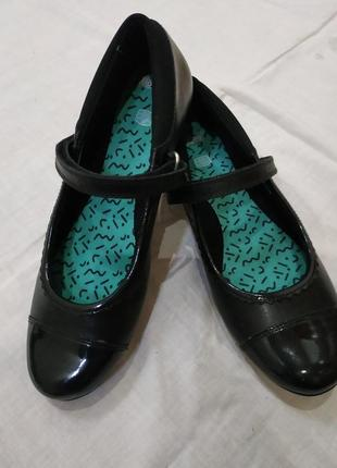 Clarks туфли на 37,5-38 размер