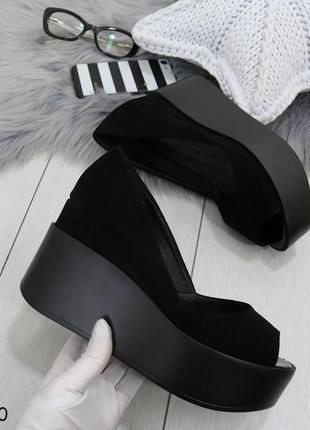 Женские туфли чёрные