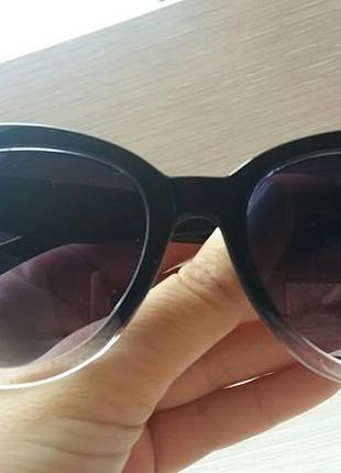 Солнцезащитные очки, черные линзы
