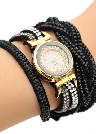 Женские наручные часы черные со стразами