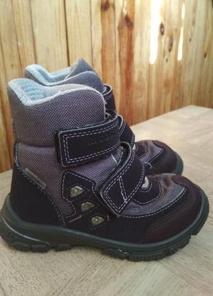 Зимние ботинки ricosta с мигалками. размер 25.