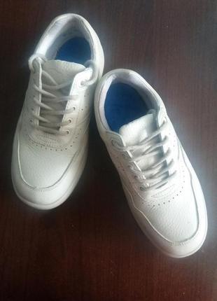 Продам жіночі ортопедичні кросівки dr.comfort
