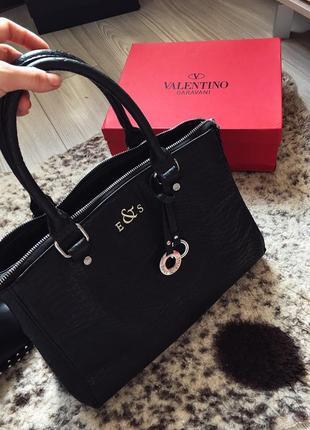 Стильная сумка французского бренда