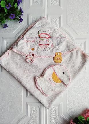 Махровое полотенце уголок с капюшоном и рукавичкой для купания
