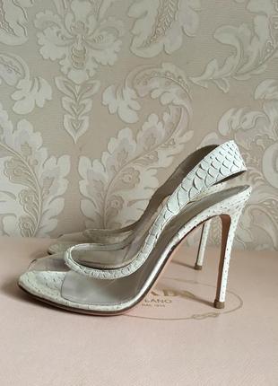 Gianvito rossi оригинал италия белые молочные туфли свадебные питон