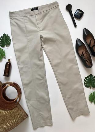 Простые базовые брюки бежевого цвета от mango l/12/40.