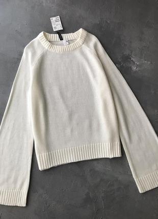 New свитер h&m белый с расклешенными рукавами