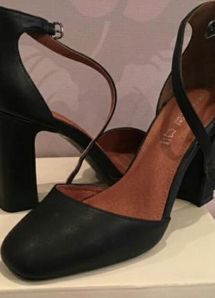 Шикарные стильные туфли
