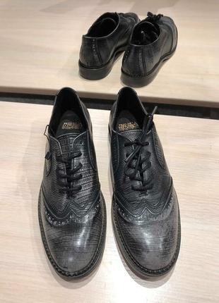 Идеальные кожаные туфли.ботинки.дерби .челси. fred de la bretoniere