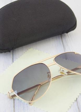 Мужские солнцезащитные очки с футляром