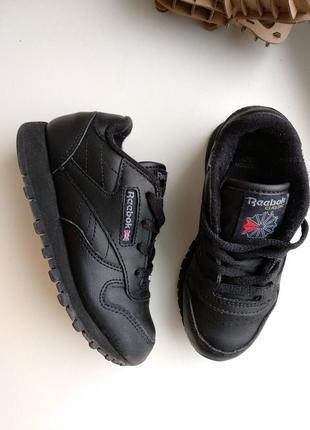 Кожаные детские кроссовки reebok черные 26 размер