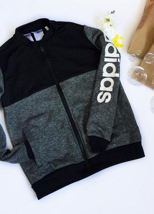 Оригінальний бомпер adidas,на вік 9-10 р}