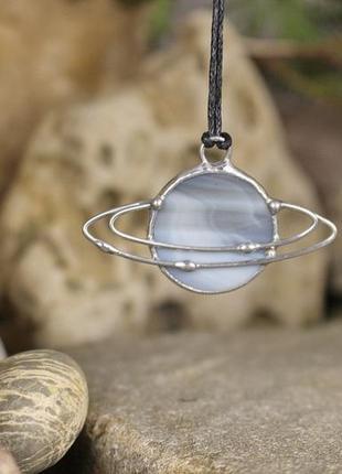 Подвеска сатурн серо-серебристый