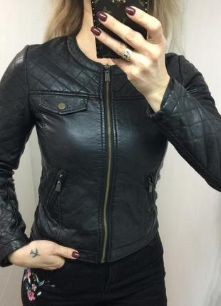 Чёрная курточка