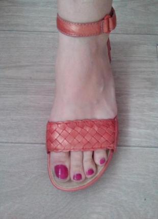 Босоножки,сандали р.37 (стелька 24 см) кожа!